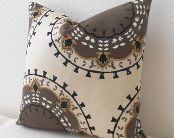 Decorative pillow cover, Brown, cream and black medallion