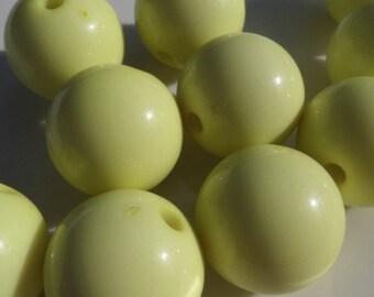 20MM, 10CT, Soft Yellow bubblegum beads, Chunky Pink Beads, bubble gum chunky beads, B50