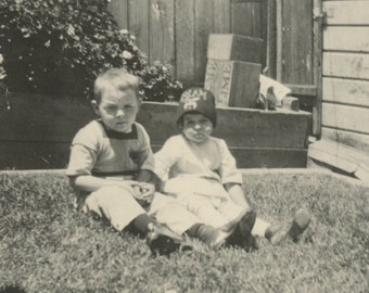 Vintage Snapshot - Cute Kids - Found Vernacular Photo - Fez - Shriners - Sister Brother Siblings