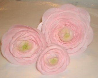 Wafer Rice Paper Ranunculus Flowers for Wedding, Bridal Shower, Anniversary Cake Toppers