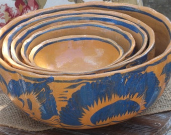 Vintage Tlaquepaque Nesting Bowls / 1970's Mexican Pottery / Terra Cotta with Blue Design