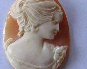 Vintage Italian Hand Carved Shell Cameo- 35mm x 27mm