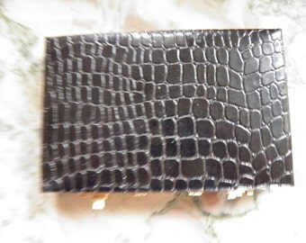 Chic Alligator Look Business Card Case