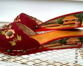 Vintage 40s wood carved Hawaiian wedge shoes size 6-7