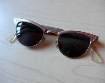 Vintage Pin Up Cat Eyes 1950's Style Sunglasses for Women