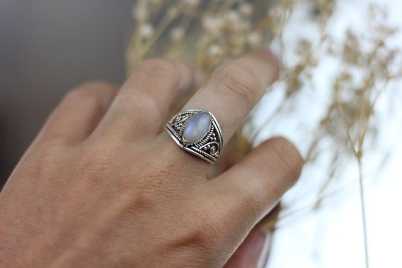 MOONSTONE FILIGREE RING - Sterling Silver Ring- Moonstone Ring- Healing Crystal Jewellery- Chakra Ring- Statement Ring- Boho- Vintage