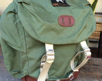 Vintage nylon & leather Backpack Rucksack green MOUNTAIN PRODUCTS CORP Wenatchee Wash