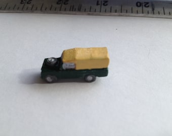 Landrover ornament for 1:12th dolls house(toy, nursery, study)