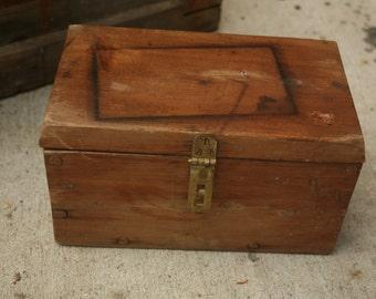 Vintage Small Primitive Wooden Box, Wood, Dowel Construction, Treasure Box, Recipe Box, Storage, Home Decor
