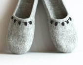 SALE Felted slippers Grey - made to order  - handmade womens slippers - eco friendly - Eco-Friendly Clothing - Wedding gift
