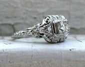 Stunning Vintage Art Deco 18K White Gold Diamond Engagement Ring - 0.52ct.