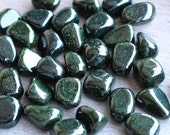Green Goldstone Tumbled Stone T121