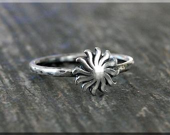 Sunburst Stacking Ring, Sterling Silver Ring, Stacking Jewelry, Sunburst Jewelry, Sun Stackable Ring, Celestial Ring, Sun Layering Ring