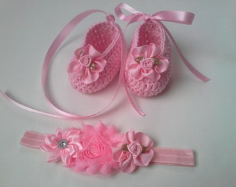 Baby Headband and crochet Booties cotton gift baby shower photo prop flowers christening baptism