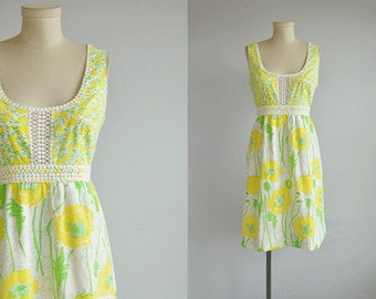 Vintage 60s Lilly Pulitzer Dress /  1960s Mod Floral Print Mini Sundress with Cotton Lace / The Lilly Yellow Lime White