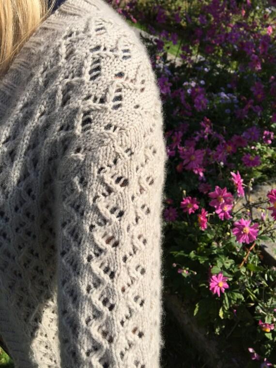 Zig Zag Sweater Knitting Pattern : Zigzag eyelet cardigan knitting pattern pdf file from