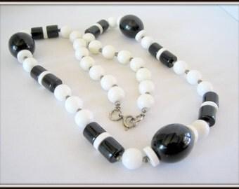 Black White Necklace - Plastic Bead -  Mod Retro