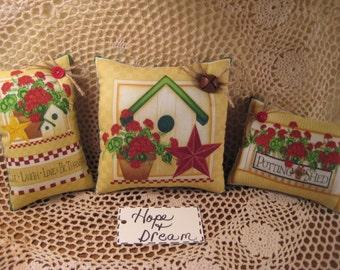 Set of 3 Birdhouse Geranium Fabric Shelf Sitters - Sun Room - Bowl Fillers - Garden Decor - House-warming Gift - Birdhouse Collector -