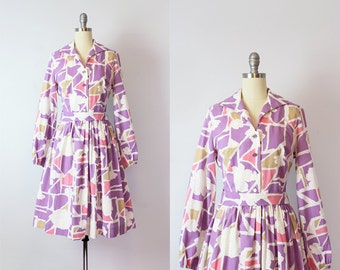vintage 60s dress / 1950s floral print dress / purple graphic print dress / shirt waist dress / fit and flare dress / Kaleidescape dress