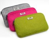 RUN INSPIRED, 13.1 or 26.2 Wool Felt Clutch Zip Bag