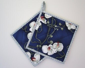 """Quilted Potholders """"White Orchids on Blue"""" Set of 2, Hot Pad, Quiltsy Handmade, Trailing Orchids, Blue and White Fabric Trivet"""