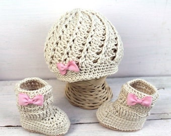 Baby Girl Hat and Boots, Baby Girl Clothes, Baby Girl Set, Baby Boots