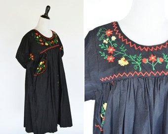 SALE Vintage 1970's Oaxacan Dress - Emboidered Mexican Fiesta Boho Dress - Hippie Black Maxi Floral Dress - Ladies Size Large