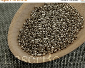 ON SALE 20% OFF Size 11 seed beads. Czech rocailles 20g. Antiqued Silver Metallic Beads. 33 Met