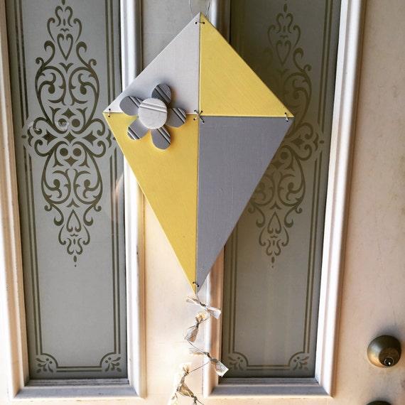 Spring wood kite decoration for Decoration kite