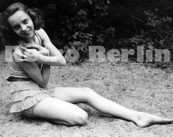 Vintage Photography Girl in Swim Suit 1930s, Black and White Photo Young Woman, Collector Photo Adolescent Girl Swimwear Germany 1930s