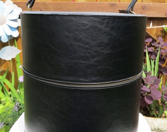 Vintage 1960s black vinyl wig case/ black hat box/ vintage hat box/ vintage wig box/ large black hat box with handle