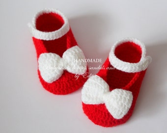 Sale. Crochet baby booties, baby girl  shoes, Mary Janes, slippers, ballerinas, white, red, bows, 6-9 months, baby gift idea, photo prop