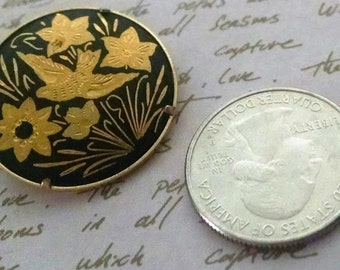 Brooch Vintage Spanish Damascene Bird and Flowers 30mm Round Bar Hook Clasp 24KT Gold Hand Etched Exotic
