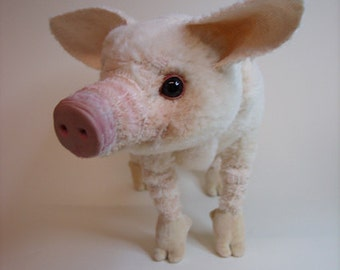life sized Piglet, sew your own one, ebook with 72 pages instruction and pattern, pdf by Furry Critters