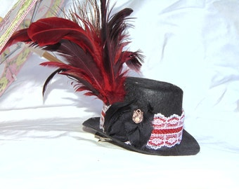 Black and red Mini Top Hat