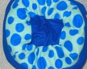 Large Wide Fleece Pet Bed - Machine Washable - Blue Polka Dots