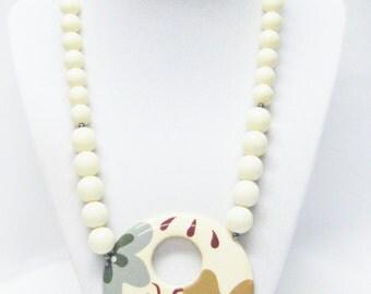 Cream Acrylic Beads w/Large Painted Enamel/Ceramic Donut Pendant Necklace