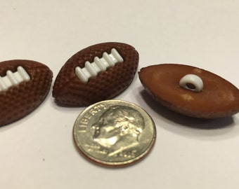 3 large football buttons, 15 x 25 mm (21)