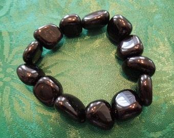 Vintage Stone Bracelet, Elasticated Black Polished Stones.  Excellent Condition.