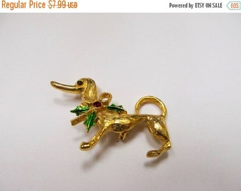 ON SALE Vintage Enameled Christmas Dog Pin Item K # 2905