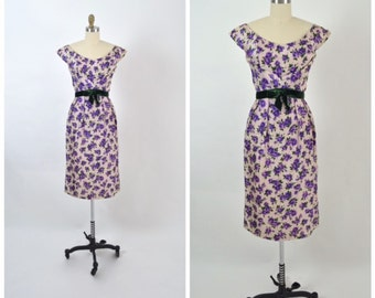 Vintage 1950s 50s Silk Floral Dress Purple and Green Cap Sleeves Nipped Waist