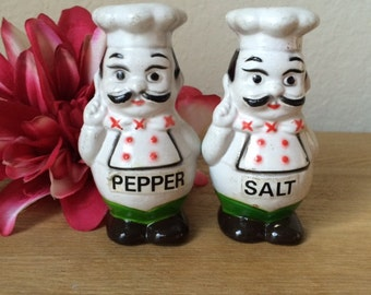 Sale!!!-Vintage Chef Mates Salt and Pepper Shakers,  Molded Composite Plastic  Made in Hong Kong