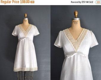 SALE - SALE 60s short wedding dress / lace dress / Ariel