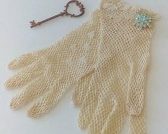 Vintage Wedding Gloves: Ivory, Small, Crocheted, Wedding, Prom