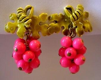 Grape Cluster Earrings Bright Pink Fuchsia Plastic Wired Beads Green Enamel Metal Vines Leaves Retro Groovy Mod Neon Flower Power Clip On