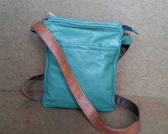 Weekend Cross body Bag, Green Leather Handbag, Everyday Purses, Tony