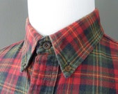 Vintage LL Bean NORTHWOODS 100% Cotton Flannel Plaid Trad / Ivy League Long Sleeved Casual Shirt Large Regular 17 - 34.  Made in USA.