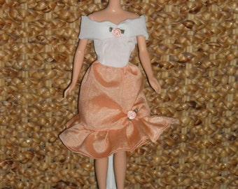 Barbie Peach or Pink Party Dresses & Accessories Choice of 2 Stlyes
