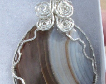 Agate Cabochon wire wrapped pendant in Argntium Sterling Silver