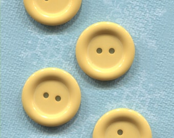 Set of 4 Old Light Yellow Plastic ( 1 in) Buttons-(AFM81)